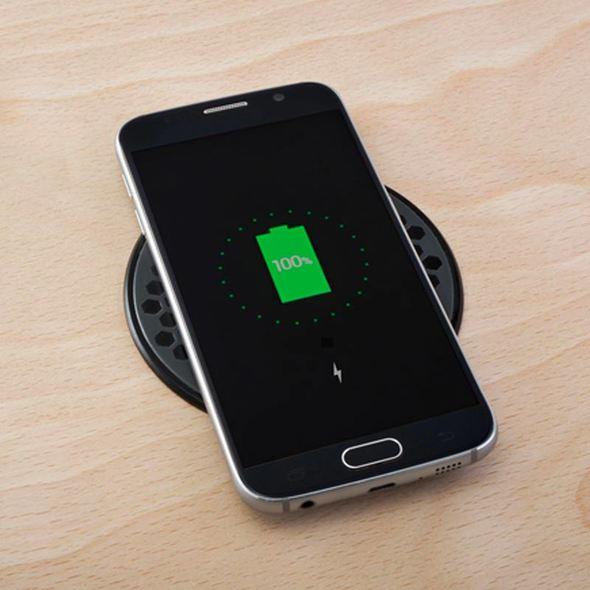 ROKK Caricabatterie Wireless Stagno ad Incasso